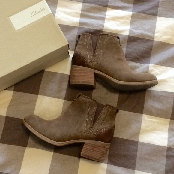 8aeebeef6 Clarks Shoes - Clarks Maypearl Daisy Ankle Boot in Olive